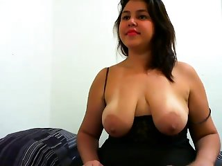 Big Boobs Nipples Fragment on her Webcam stream