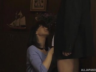 Hot tie the knot tastes her partners cum after blowing his cock